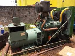 Gerador 550 CV motor V8 diesel 9.2 Detroid pouco uso um dos melhores fone . *