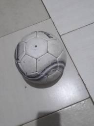 Vendo se uma bola