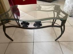Mesa de centro de ferro e vidro