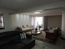 Apartamento de 4 quartos com vista para o lago das rosas