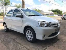 Toyota ETIOS HB 1.3 completo
