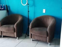 Móveis de salão de beleza. Poltrona, carrinho auxiliar, cadeira de cabeleireiro e balcão.