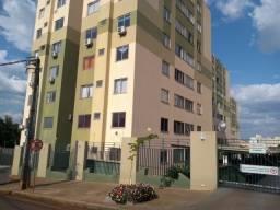 LOCAÇÃO   Apartamento, com 3 quartos em VILA BOSQUE, MARINGA