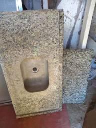 Vendo Pias  pedra de mesa e box de alumínio
