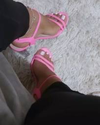 Pack e sandálias a venda