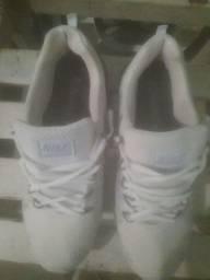 Vendo um tênis da Nike semi novo número 40