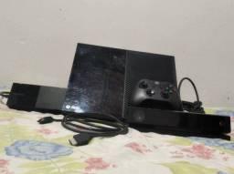 Xbox one semi novo/3 dono bem conservado