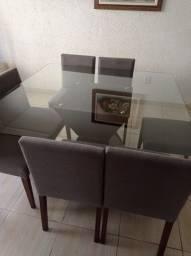 Mesa de jantar com 8 cadeiras