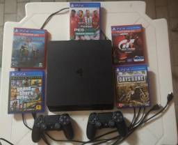 Playstation 4 com 2 controles e 5 jogos - 500gb Novo
