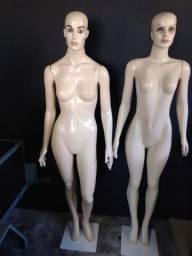 Manequins de plástico usado