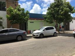 Ipsep - 01 Quarto - térreo - Rua Itaimbé, 508 - Junto Academia Golfinhos.