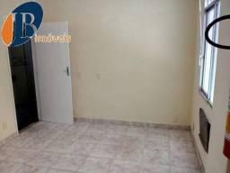 Sala - CENTRO - R$ 400,00