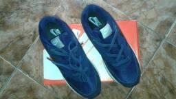 Tênis Preto com azul marinho 41