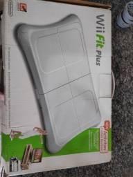Vendo Nintendo Wii Fit Plus praticamente sem uso Balance Board