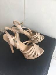 Vendo uma sandália bege da Corbeluxe tam 36