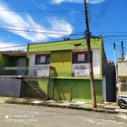 Casa c/ Barracão-Vila Góis-3Q,2B,1G-constr:200m²-terreno:337,00m²-IPTU:90,00/Mês