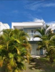 Casa 4/4, Semi mobiliada em cond fechado na Praia de Buraquinho em Lauro de Freitas