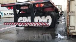 Carreta Guerra porta container