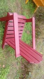 Cadeiras onderk madeiras tratadas para jardins