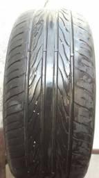 Um pneu aro 15 medida195/55 com bolha