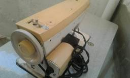 Máquina de costura com pedal elétrica