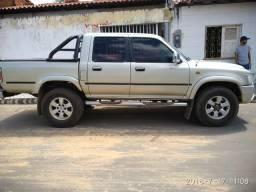 Toyota Hilux 2004 3.0 4x4 completa - 2004