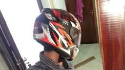 Capacete LS2 e capacete Mrc A6