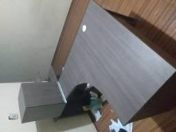 Conjunto de mesa com armário