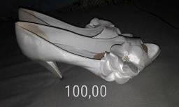Sapato salto 9cm usado poucas horas na cerimônia do casamento