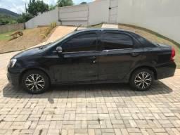 Toyota Etios Sedan 2017 Platinum 1.5 Automático - 2017