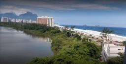 Apartamento á venda na Barra da Tiuca Sala e quarto com 67m2.,