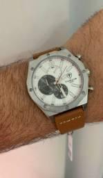 Relógio tuguir funcional com desconto praHoje. Só chamar e enviamos todos os modelos.
