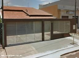 Casa para Venda em Cambé, Castelo Branco, 4 dormitórios, 1 suíte, 3 vagas