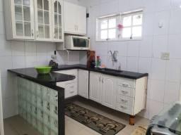 Vendo casa em condomínio fechado no Mendanha