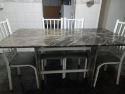 Mesa com 6 cadeiras toda de marmore