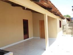 Casa 2 quartos + barracão no Cond. Santa Rita (bairro Goiá)