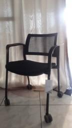 Cadeira de escritório c/ rodizios