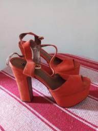 Título do anúncio: Sapatos da Arezzo usados mas em bom estado.  Numeração 36