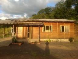 Terreno com 2 casas