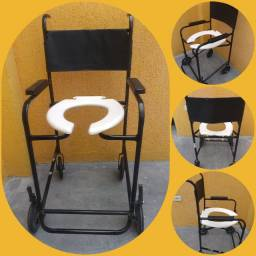 Título do anúncio: Cadeira de banho com rodas