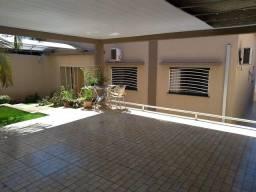 Casa Térrea para Venda em Londrina, Monte Belo, 3 dormitórios, 1 suíte, 2 banheiros, 2 vag