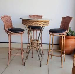 Bistrô com 4 cadeiras REFORMADO