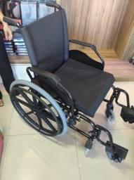 Cadeira de rodas ( nunca foi usada) - possui nota fiscal