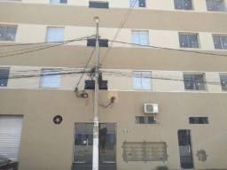 Apartamento de 02 quartos sendo 1 suite Vila Guilhermina/Cidade Nova