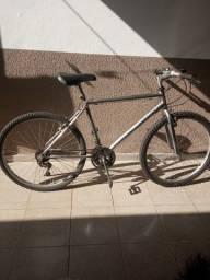 Vendo bicicleta com marcha aro 26