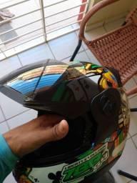 Novo capacete vendo usado 3 vez só