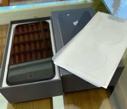 Celular seminovo - IPhone 8 - 64Gs - Preto
