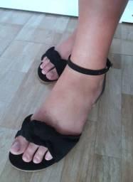 Sandália amarra no tornozelo