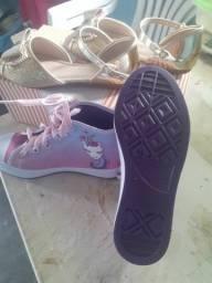 Tênis e sandália
