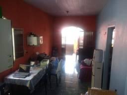 Vendo casa no bairro amazônino mendes em ótima localização próximo de uns, panificadora